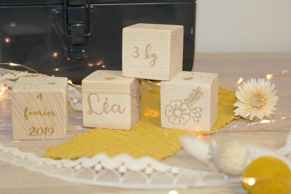 Cube en bois/ Boîte/ Naissance